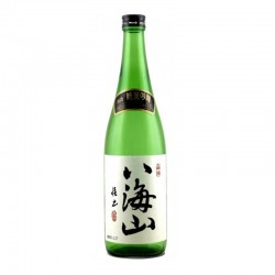 Bottle of Japanese sake Hakkaisan format 72cl