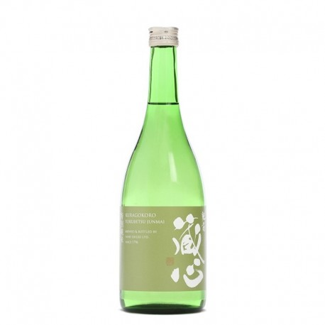Bottle of Japanese sake Kuragokoro Tokubetsu Junmaï format 72cl