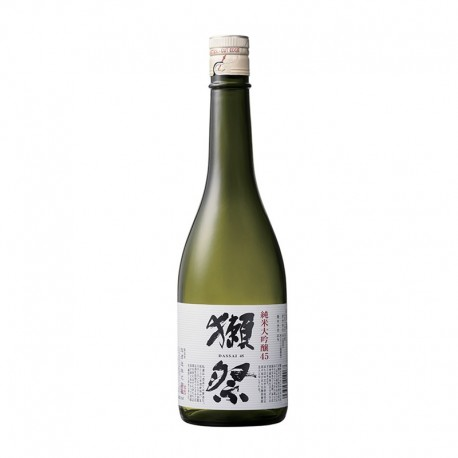 Bottle of Japanese sake Dassai EU50 format 72cl