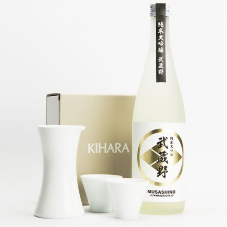 Composition elegance. One bottle of Japanese sake and porcelaine sake serving set from Kihara