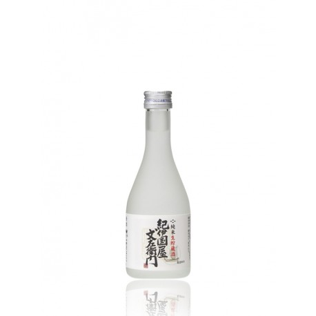 Bottle of Japanese sake Kinokuniya Namacho format 30cl