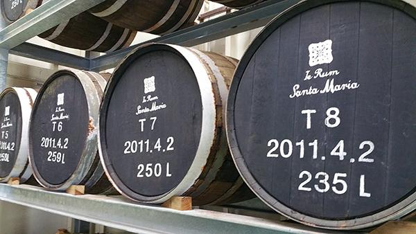 tonneau de whisky japonais pour vieillissement de rhum Ile d'iejima okinawa japon