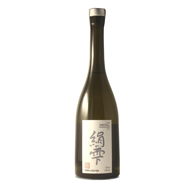 Bouteille de saké japonais Kristall produit dans les pyrénées