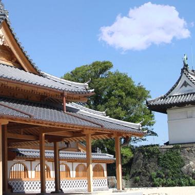 Château de Saga ou se trouve la brasserie de saké de Fukuchiyo Shuzo, Japon