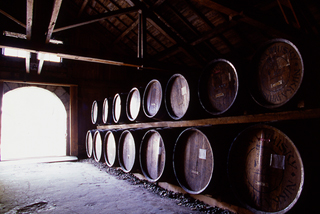 Oaks tanks for Nikka Whisky aging