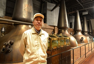 Inside the distillery Japanese whisky Suntory and stills